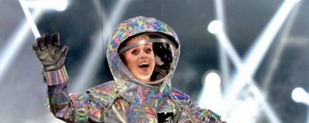 MTV Video Music Awards 2017, lo show di Katy Perry astronauta e tutti i vincitori