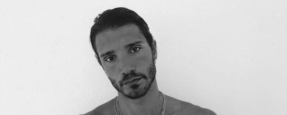 Stefano De Martino, scatti hot dalla vacanza a Ibiza