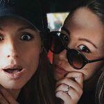 Michelle Hunziker e Aurora Ramazzotti, karaoke in auto al rientro dalle vacanze