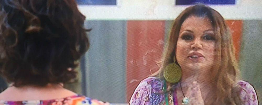 """Grande Fratello Vip, Serena Grandi a Corinne Clery: rissa verbale sull'ex marito defunto: """"Vecchio baule"""""""