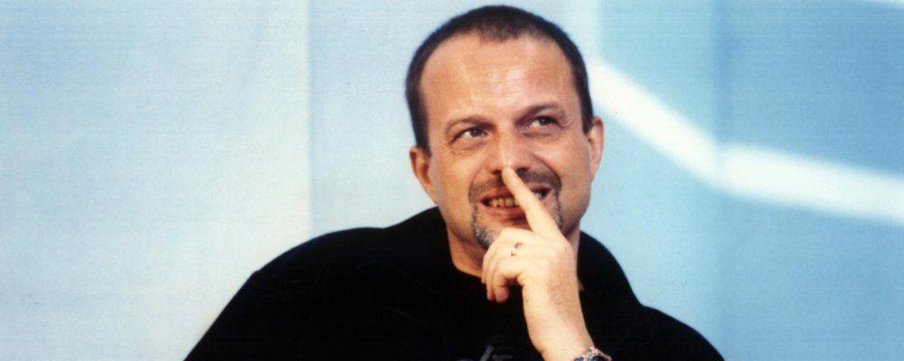 Marco Della Noce, il cabarettista 'Capomeccanico della Ferrari' costretto a vivere in auto