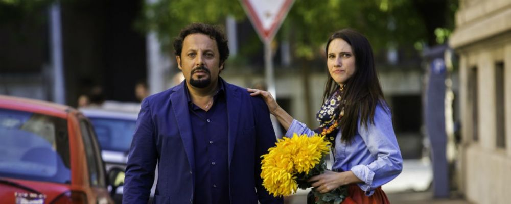 Poveri ma ricchi: trama, cast e curiosità del film con Christian De Sica ed Enrico Brignano