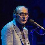Incidente casalingo per Franco Battiato, annullati i concerti