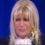 Anticipazioni Uomini e donne trono over: Tina fa un gavettone a Gemma Galgani