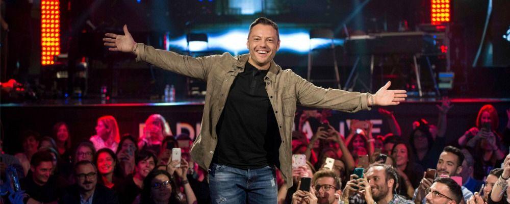 Tiziano Ferro apre la nuova stagione di Radio Italia Live