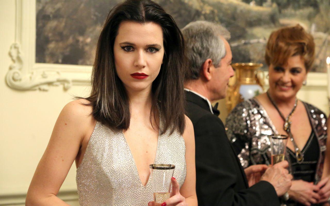 Cristina Rontal (Anna Favella)