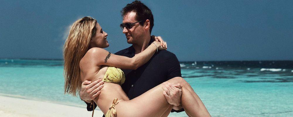 Michelle Hunziker alle Maldive con Tomaso Trussardi, lontana dalle polemiche su Sanremo
