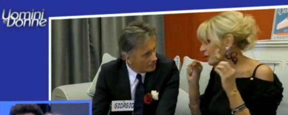 Uomini e donne, Gemma e Giorgio un bacio elemosinato