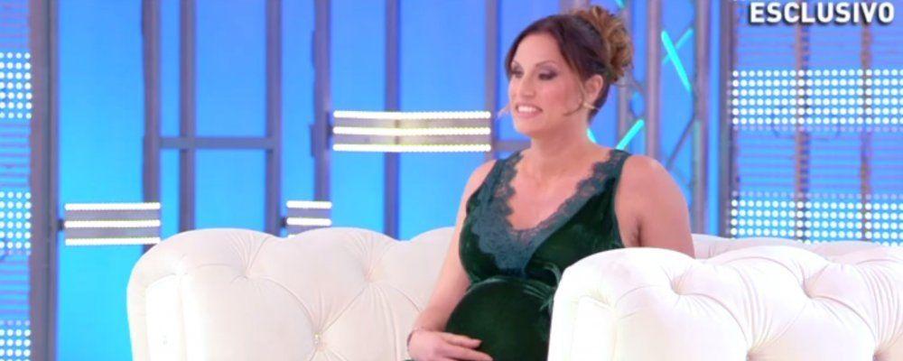Annalisa Minetti a Domenica Live da Barbara D'Urso 'vede' per la prima volta il volto di sua figlia