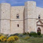Meraviglie, la penisola dei tesori: ultima puntata in replica tra Castel del Monte, Etruschi e le ville Palladiane