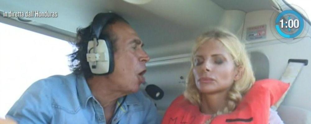 Isola dei famosi 2018, quinta puntata: Francesca Cipriani sotto ipnosi si tuffa dall'elicottero