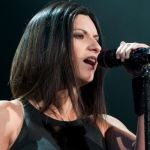 Laura Pausini, concerti a Eboli rimandati: la cantante ha l'otite