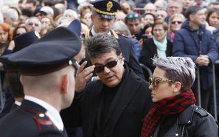 Fabrizio Frizzi, il saluto degli amici del conduttore presenti al funerale