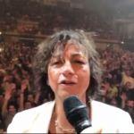 Gianna Nannini, dopo la caduta torna sul palco su un trono