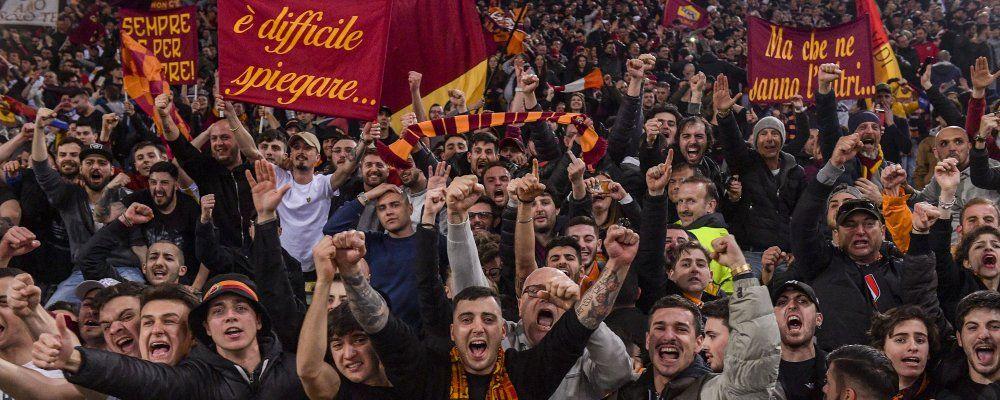 Impresa Roma, batte il Barcellona e passa in Champions: i gadget del perfetto tifoso