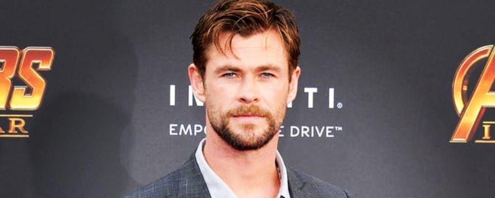Chris Hemsworth, il Thor della Marvel, 'attaccato' dal suo cane mentre balla Miley Cyrus