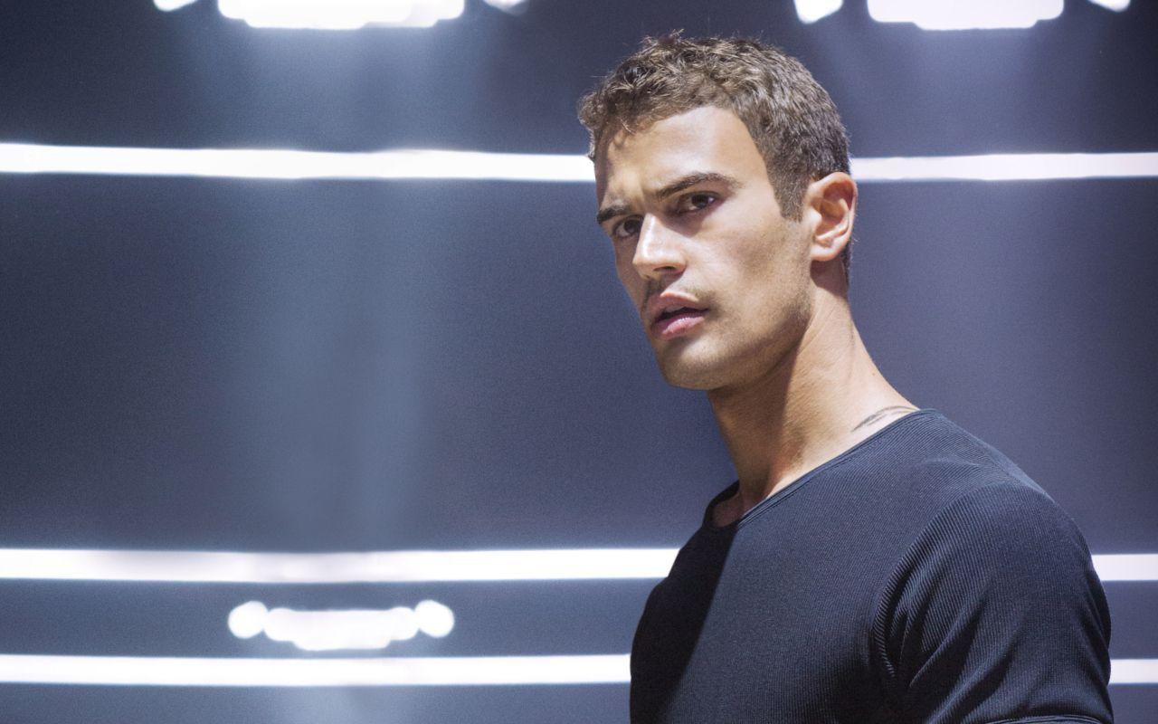 Divergent: trama, cast e curiosità sul film con Kate Winslet