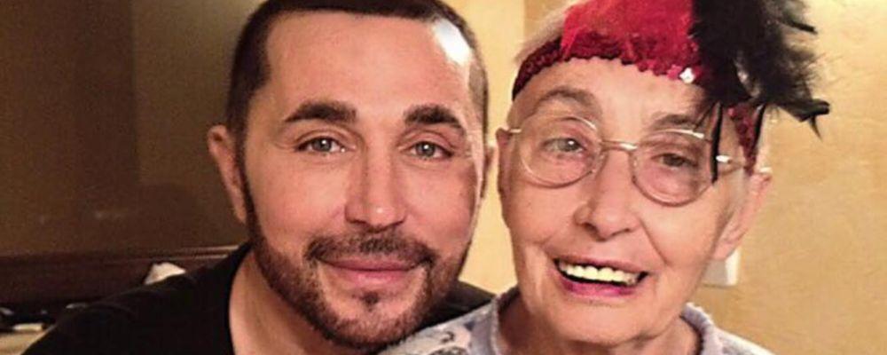 Lutto per Shalpy, è morta la mamma da tempo malata di Alzheimer