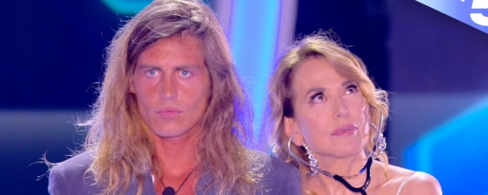 Grande Fratello, Alberto Mezzetti 'Vado a cena con Barbara D'Urso e col premio copro i debiti'