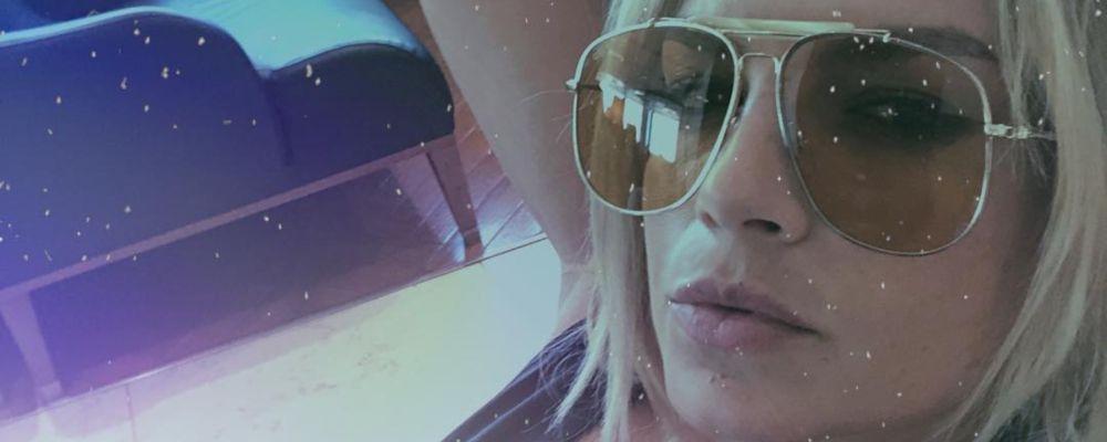 Emma Marrone litiga con un fan: 'Il giochetto ormai è scrivere m***a per attirare l'attenzione'
