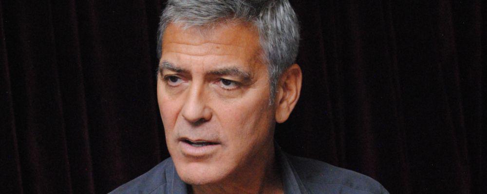 Tragedia alla festa di George Clooney: scenografo trovato morto in bagno