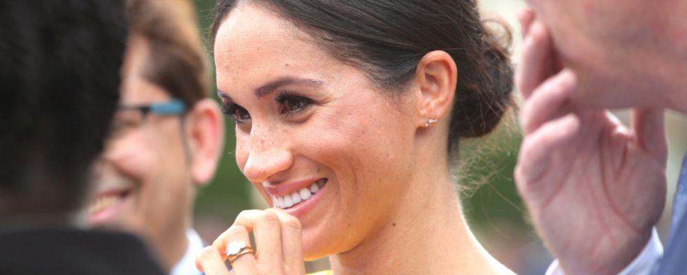 Tanti auguri Meghan Markle: l'ex attrice di Suits festeggia il primo compleanno da duchessa