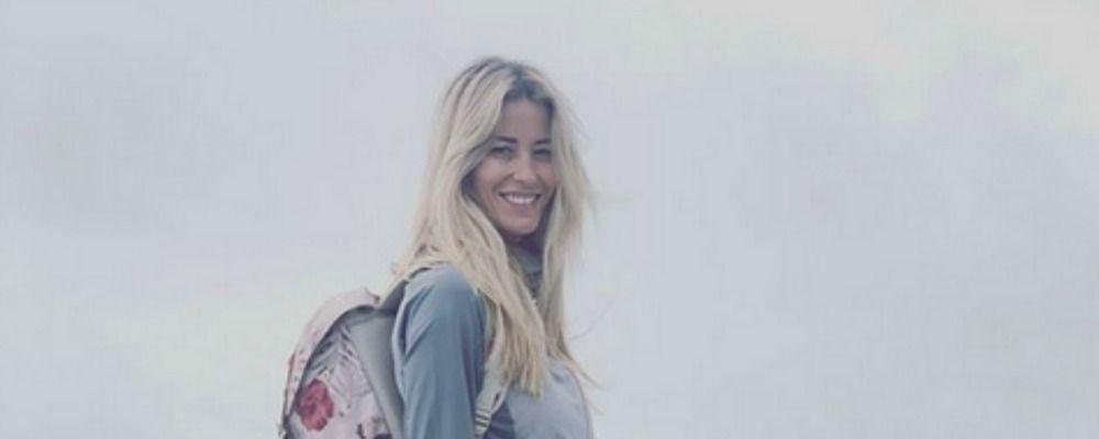 Elena Santarelli criticata per la foto in montagna: 'Chi siete per giudicare?'