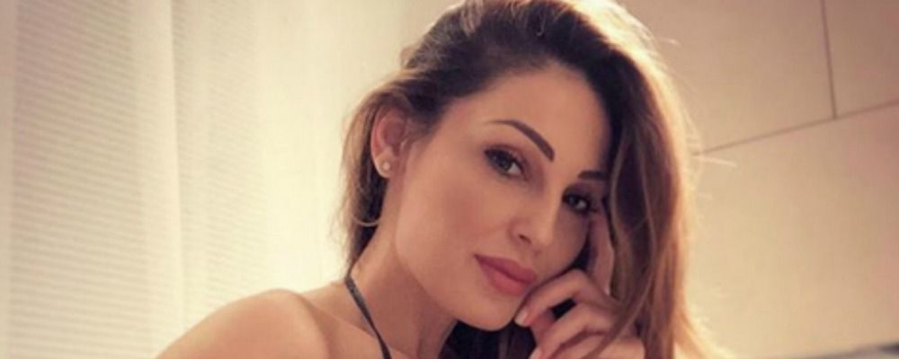 Anna Tatangelo, nuovo look per il sexy shooting