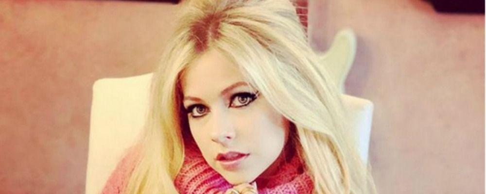 Avril Lavigne torna dopo la malattia di Lyme: 'Avevo accettato la morte'