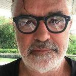 Flavio Briatore positivo al Covid, l'imprenditore ricoverato a Milano