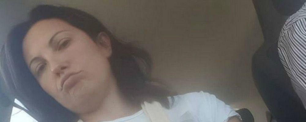 Giovanna Civitillo: incidente per la moglie di Amadeus, braccio fratturato