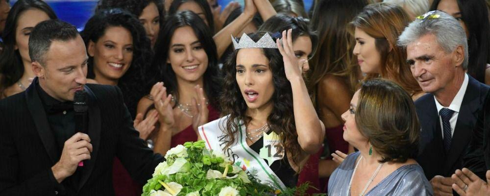 Miss Italia 2018, Carlotta Maggiorana e gli scatti osè: 'Foto rubate, mi tengo la corona'