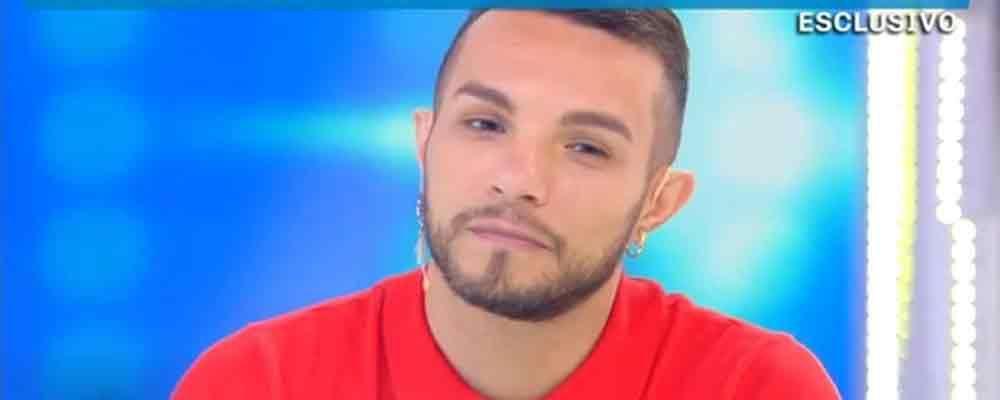 """Domenica Live, il coming out di Marco Carta: """"Ho un fidanzato"""""""