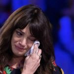 Asia Argento sul suicidio di Anthony Bourdain: 'Ci sono giorni che non riesco ad alzarmi dal letto'