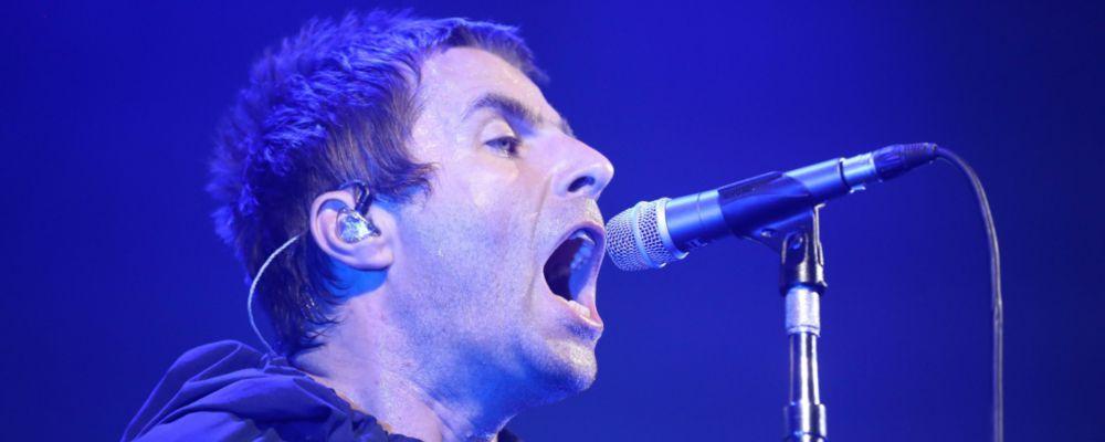Liam Gallagher indagato: una camera l'ha ripreso mentre afferrava la fidanzata per il collo