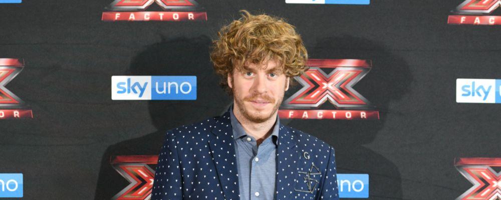 X Factor 2018, primo live: il debutto logorroico di Lodo Guenzi