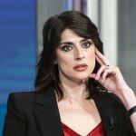 Elisa Isoardi sui social con il nuovo fidanzato ma il web la attacca. La sua risposta