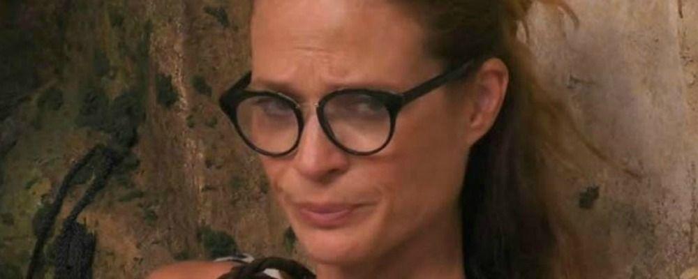 Grande Fratello Vip 2018, Jane Alexander in lacrime per la sorella morta di cancro