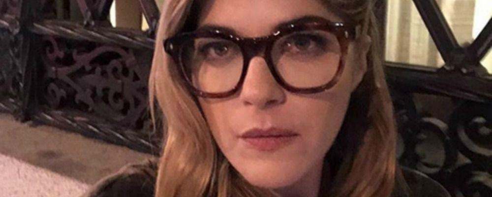 Selma Blair, trasfusione di plasma per l'attrice colpita da sclerosi multipla