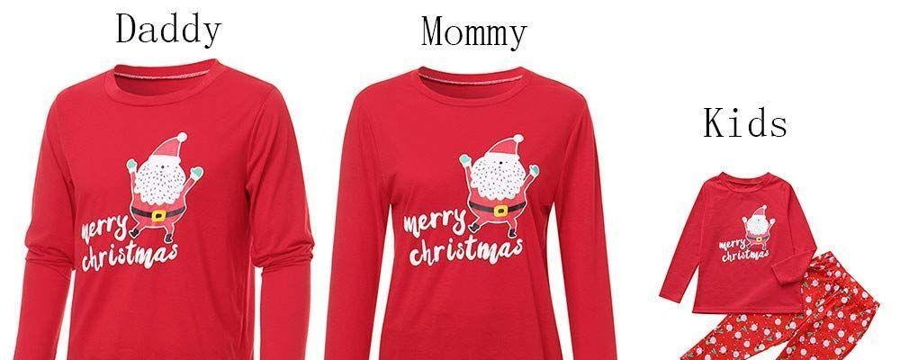 Natale in famiglia, i pigiami sono coordinati