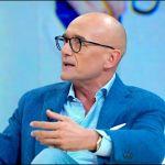 GF VIP 2018, Alfonso Signorini: 'Mi hanno dato indicazioni aziendali di non intervenire con Corona'