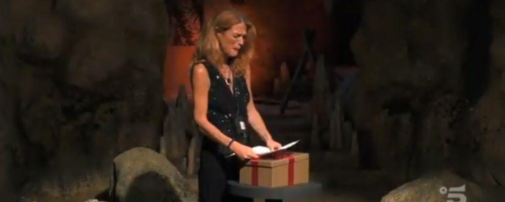 Grande Fratello VIP, decima puntata: Jane Alexander riceve una lettera dal figlio Damiano