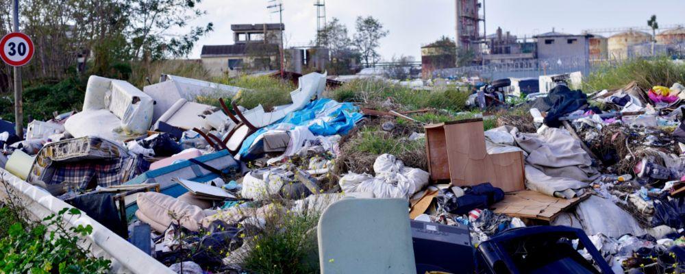 Atlantide, lo speciale Terra dei fuochi: Andrea Purgatori intervista Mario Tozzi