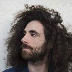 Chi è Gio Evan, l'artista citato da Elisa Isoardi per dire addio a Matteo Salvini
