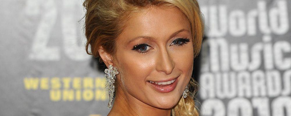 Paris Hilton chiude con gli uomini: sarà una mamma single