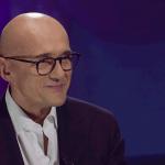 Belve, Alfonso Signorini su Barbara D'Urso: 'Finta casalinga, ma stende molte colleghe'