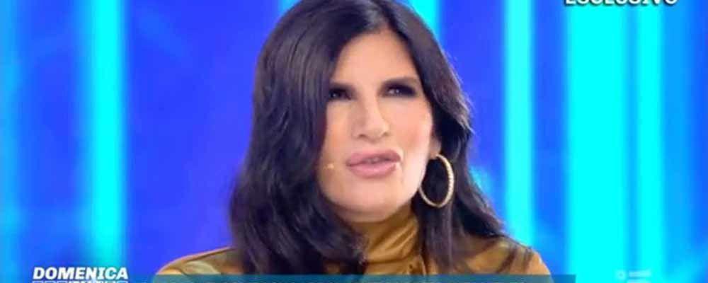 """Domenica Live, Pamela Prati: """"Amo Marco e bambini più della mia vita"""""""