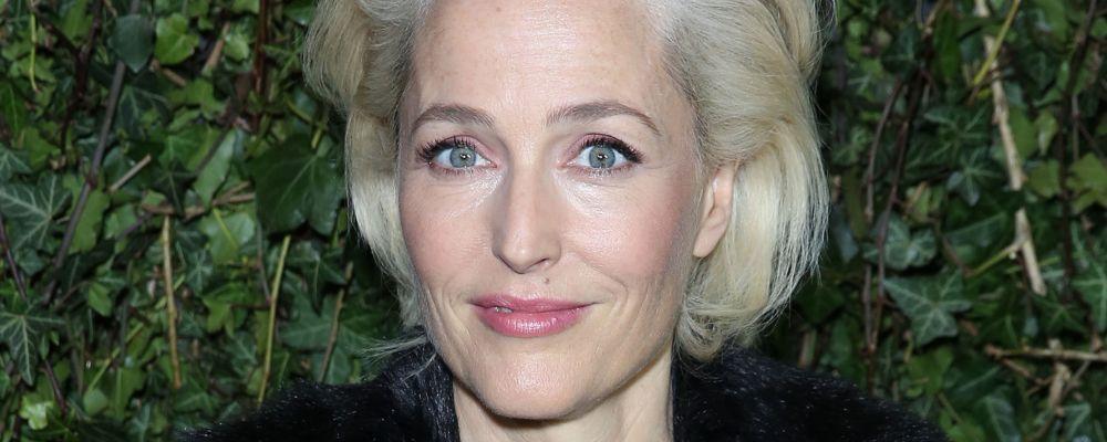 Gillian Anderson entra nel cast di The Crown 4: Dana Scully diventa Margaret Thatcher