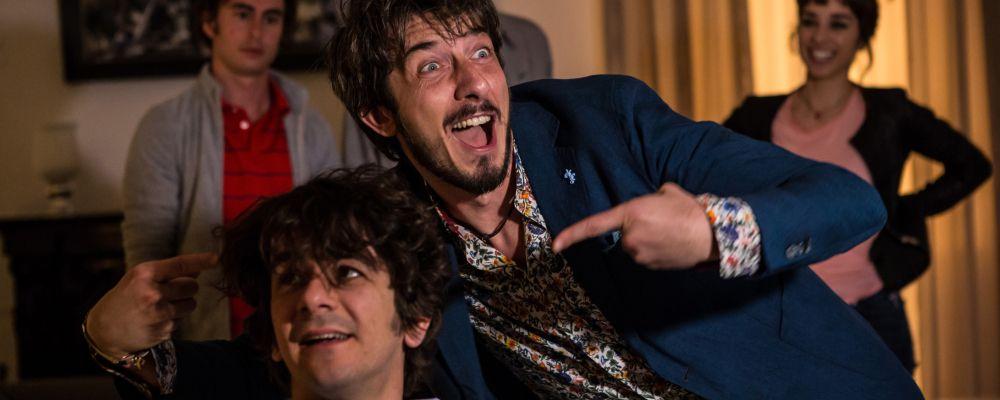 I babysitter: trama, cast e curiosità della commedia con Francesco Mandelli