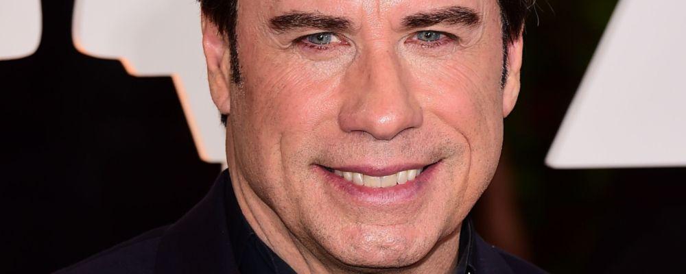 John Travolta orgogliosamente calvo: l'attore lancia il suo look senza capelli